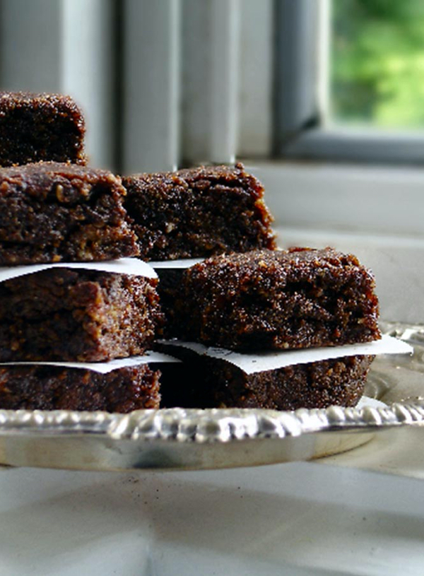 Raw Carob Brownies